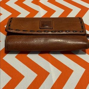 Women's Dooney & Bourke leather wallet